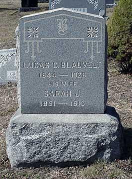 Lucas C. Blauvelt's grave marker.