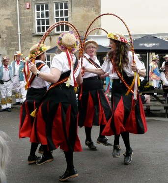 Chippenham Folk Festival 2009 - Blackadder in front of the Rose & Crown Pub
