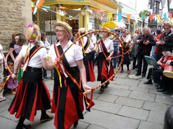 Cheap Street festivities, Frome 2009 - Blackadder in a narrow mediaeval street with drain running down the middle...