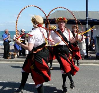 Swanage Folk Festival 2009 - a very windy seafront Blackadder