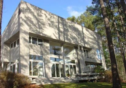 Carlton Abbot design home in Kingsmill