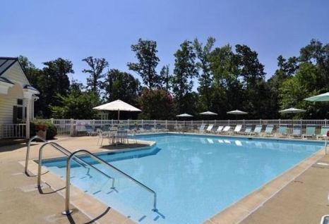 pool at berkeleys green