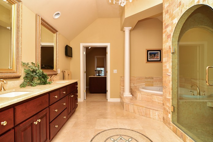 top lvl master bath2