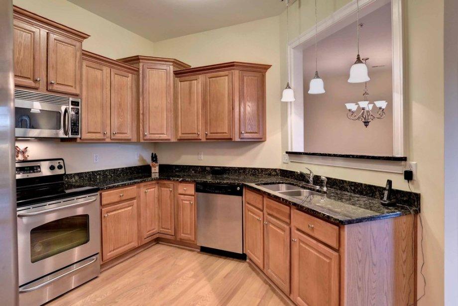 Bennington condo kitchen