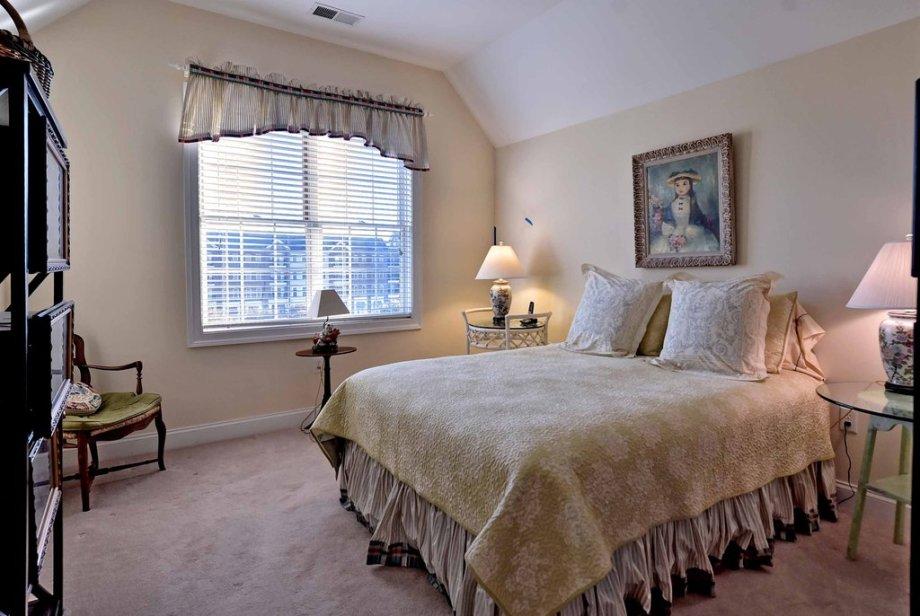 master bedroom bennington condo new town ,williamsburg va