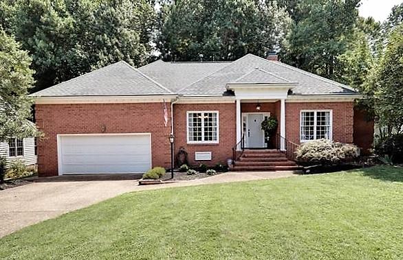 Custom home in Piney Creek Estates