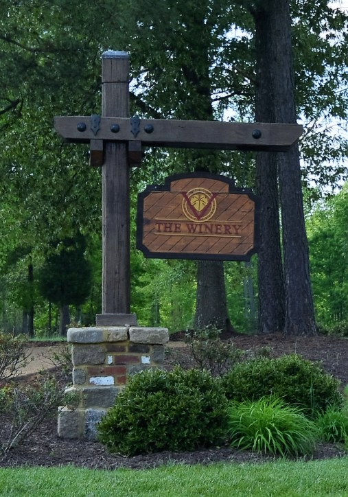 42 The New Kent Winery sign