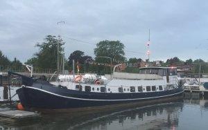 MS Loretta - Das Kulturschiff