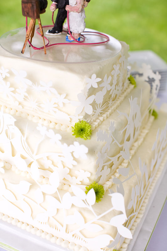 Everything was cut in one day, right before the wedding, after consulting with the baker, MaryLou
