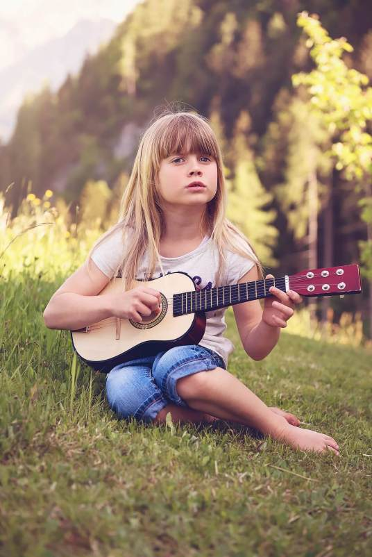 learning how to play guitar