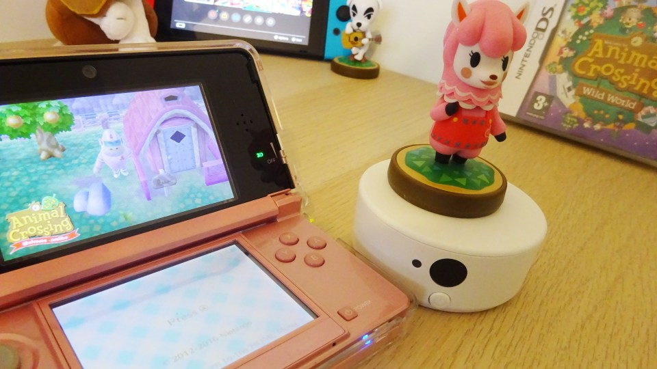Animal Crossing on Nintendo 3DS and showing NFC Scanner with Amiibo on. Showing when I got amiibo in my Animal Crossing journey