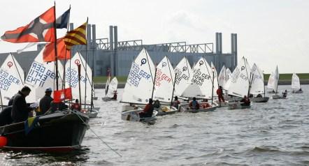 Segeln um den Opti Cup auf dem MŸhlenberger Loch am 1. und 2. Mai 2008. MŸhlenberger Segel Club und Kšnig & Cie. Emissionshaus.