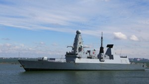 مراسل BBC من على متن المدمرة البريطانية: انتهاك السفينة مياه القرم كان متعمدا