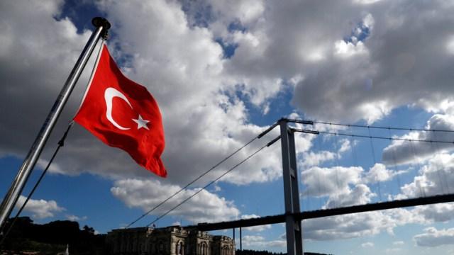 تركيا: اليونان تواصل انتهاكاتها بنشر سفن حربية عند جزر المتوسط