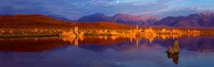 Moonset at Mono Lake