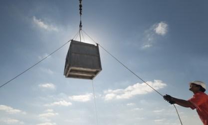 shutterstock_crane lifting.jpg
