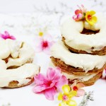This Is The Delightful Gluten Free Donut Recipe You Needed | These baked donuts are vegan, gluten free and refined sugar free. And oh so sweet! The most delicious easy dessert recipe. Super bonus! There's a free healthy dessert e-book waiting for you with 10 more easy recipes. Total win! Click through for the goodness