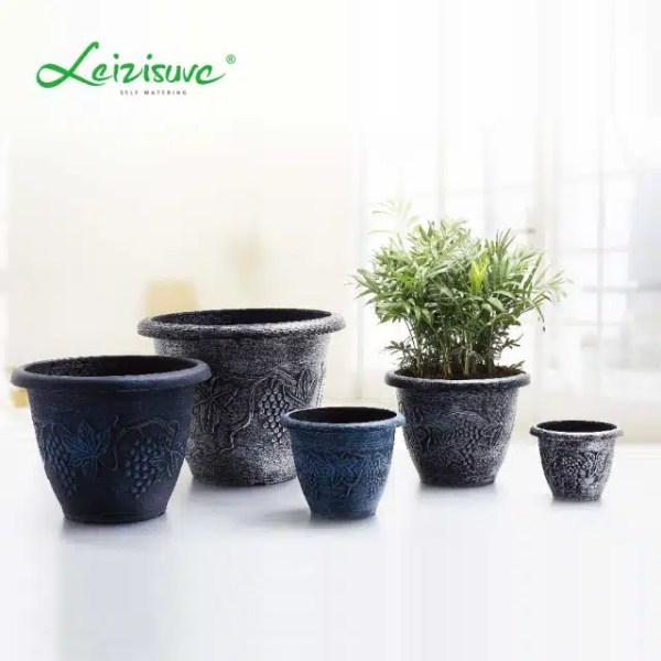 حوض بلاستيكي مستدير ذو نمط عتيق و زخارف على شكل نباتات