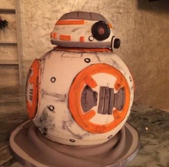 3D BB8 cake