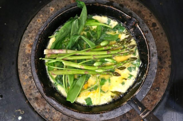 wild garlic, asparagus, omelette recipe