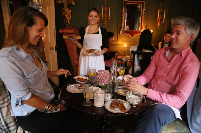 Guests and maidservant at MsMarmitelover's 18th century tea party at Dennis Severs house, 18 Folgate St, Spitalfields, london,