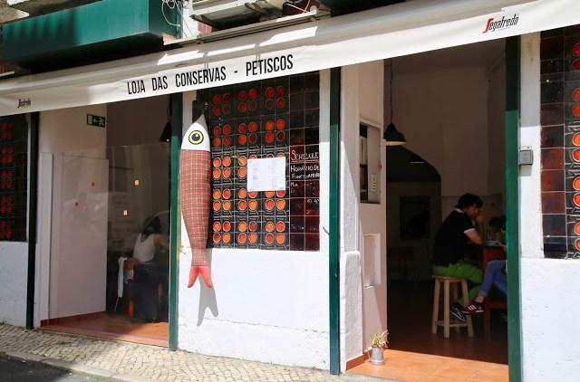 loja das conservas restaurant that serves tinned fish, , Lisbon, Portugal:  Pic: Keratin Rodgers/msmarmitelover