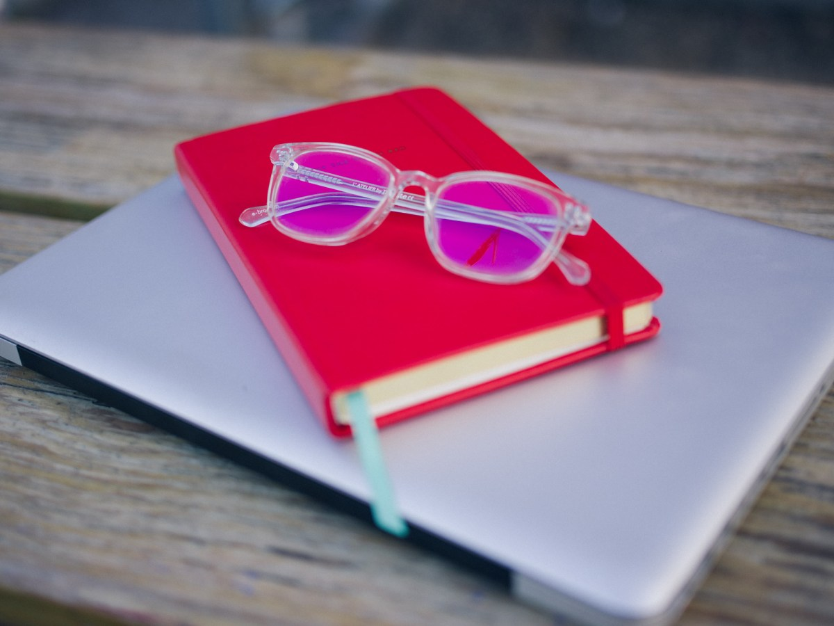 Affordable Prices, Eyeglasses, Journal, Kate Spade, Red Book, E-Polette, Clear Frame, Brooklyn, Los Angeles, Caffe Vita, Coffee Shop, Blogger, Product Review, Coffee Break, Protective Lens, LED Computer Screens