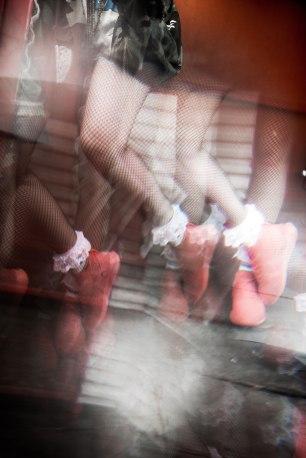experimental photography, war, camo, diy fashion, playboy, dope hair, urban hair, texture hair, sneakerhead, architecture, vetements, hot pink, track jacket, marilyn monroe, braids, cornrows, unqiue hairstyles, urban trends, trendsetter, fashionista, la blogger, ootd, reebok, ZOKU RUNNER, new sneaker, colorful sneakers, maverick, dtla, athletic wear, hoops, snoop dog, urban, style blogger, personal style, reebok, champion,