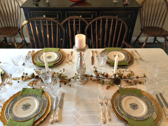 holiday table setting idea