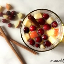 apple cinnamon sangria drink