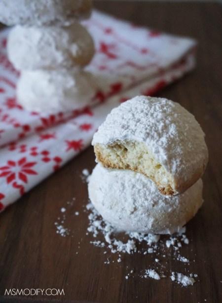 gluten free Kourambiedes - Greek Christmas Cookies