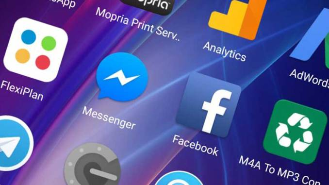 Facebook with messenger app