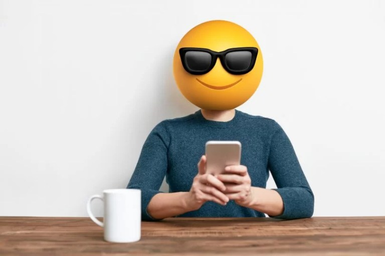person-smartphone-emoticon