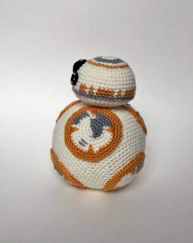 BB8 crochet left