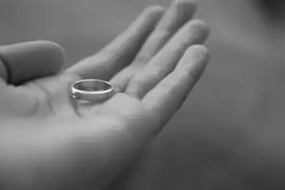 تفسير حلم إعطاء خاتم لشخص لابن سيرين وابن شاهين موقع مصري