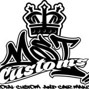 カーオーディオ、エアサス、カスタムはMST