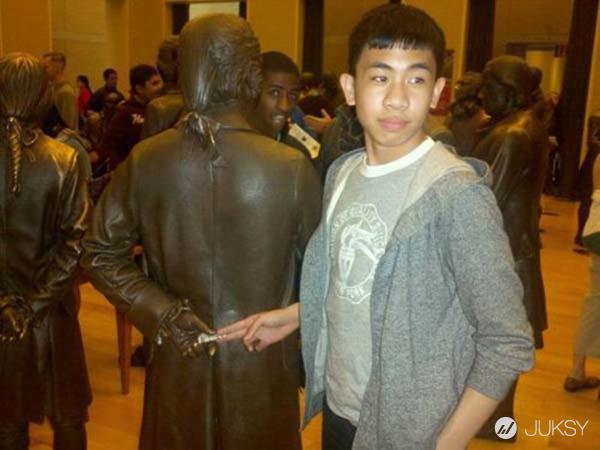 我與銅像有約... 毫無違和感的「超有事合照」特輯XDD 18