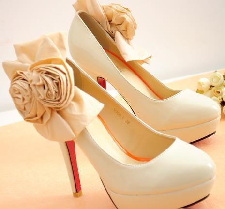 先教訓好你的新鞋,叫它乖乖不咬腳 !女性必看