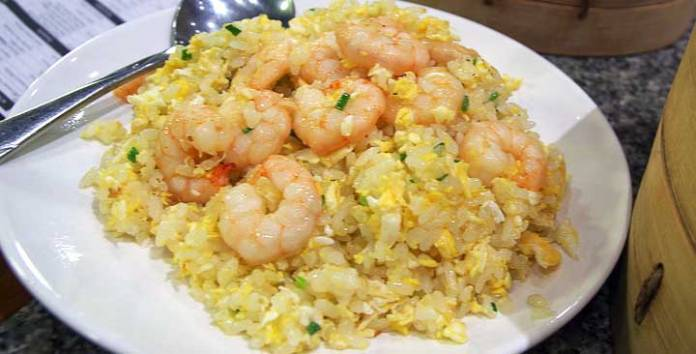 最好吃的九種蛋炒飯做法!超快學起來吧!而且不會胖喔(才怪!)~