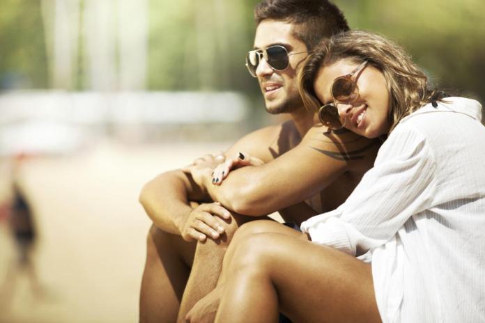 水瓶男喜歡一個人的表現 (曖昧、戀愛、交往、性格完整分析版)