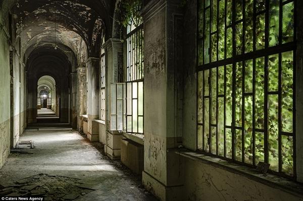 廢棄40年的精神病院,奧地利攝影師帶回了一張張讓你雞皮疙瘩的照片!