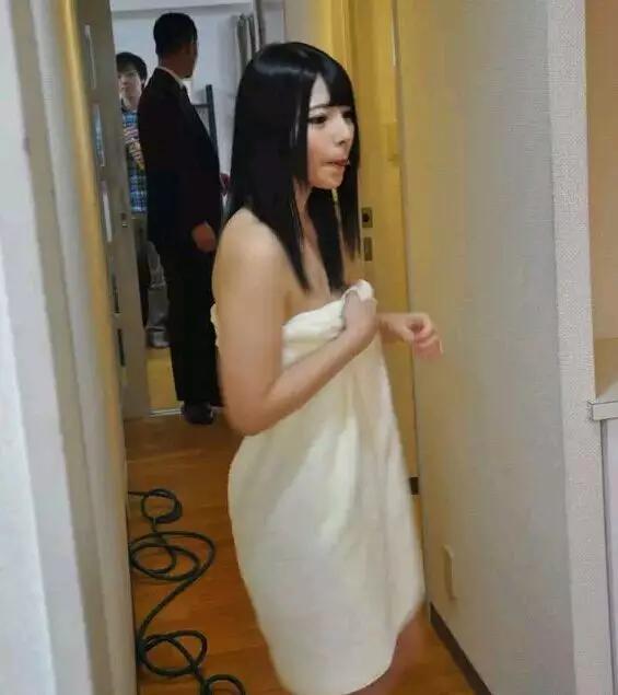 AV電影是怎麼拍的:直達人氣女神上原亞衣拍攝現場!
