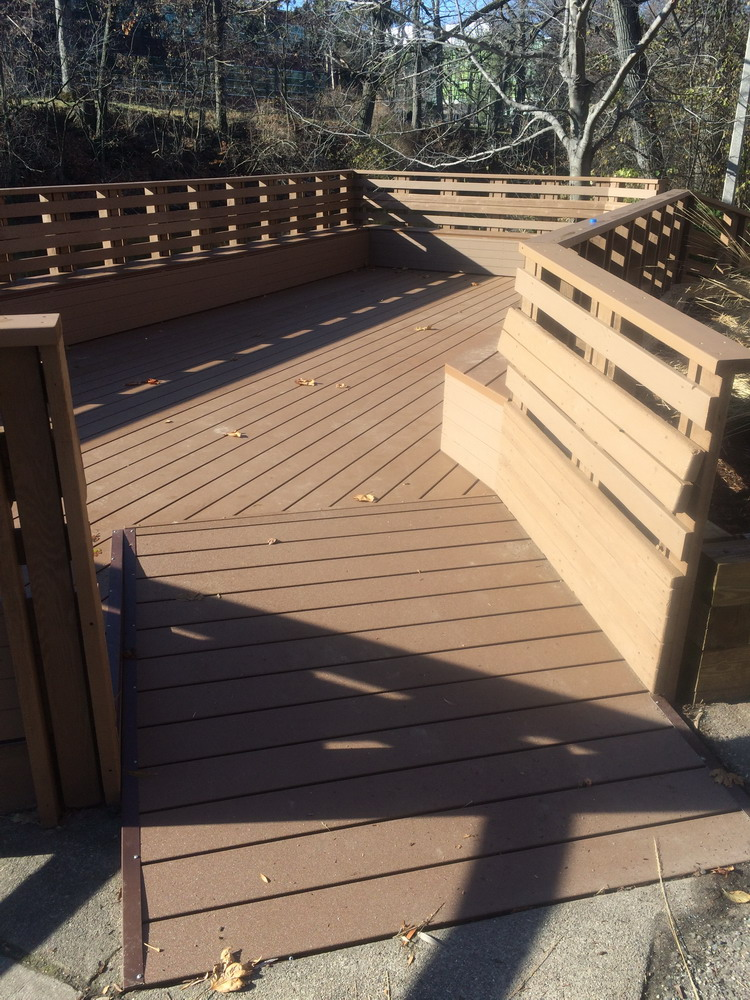 The finished deck in all its glory!