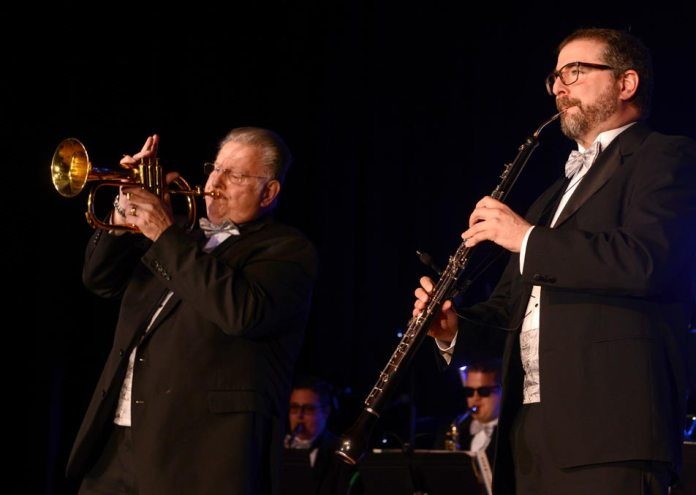 Photo: Wing & Pappas perform at Gala