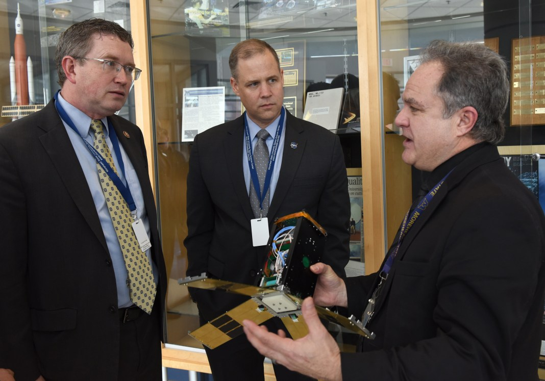 image: Administrator Bridenstine visits Space Science Center