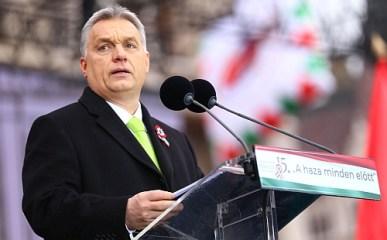 Orbán ünnepelt