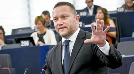 A Fidesz nem bír magával…