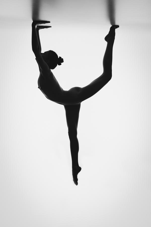 nudeart akt fotograf graubünden schweiz silhouette