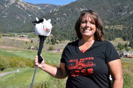 Montana Cattle Women President, Wanda Pinnow, supporting beef and having fun on the golf course!