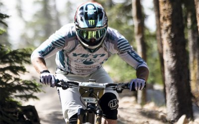 Slutresultat i Enduro World Series 2014 för Jared Graves och Tracy Moseley